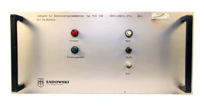 Sadowski Ladegerät für 24V Batterie (LKW. Ü-Wagen) TYP PLG 200